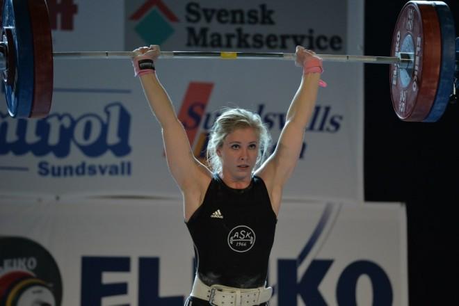 Carita Hansson, Almänna SK, SM-guld i ryck, stöt och totalt svenskt rekord i stöt 119 kg och totalt 216