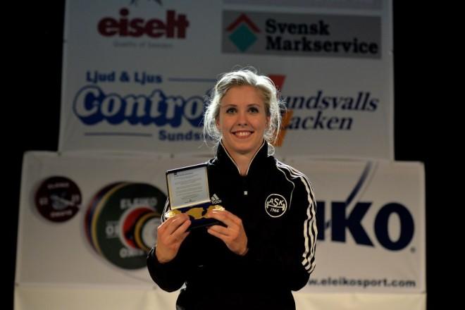 Carita Hansson, Almänna SK, SM-guld i ryck, stöt och totalt